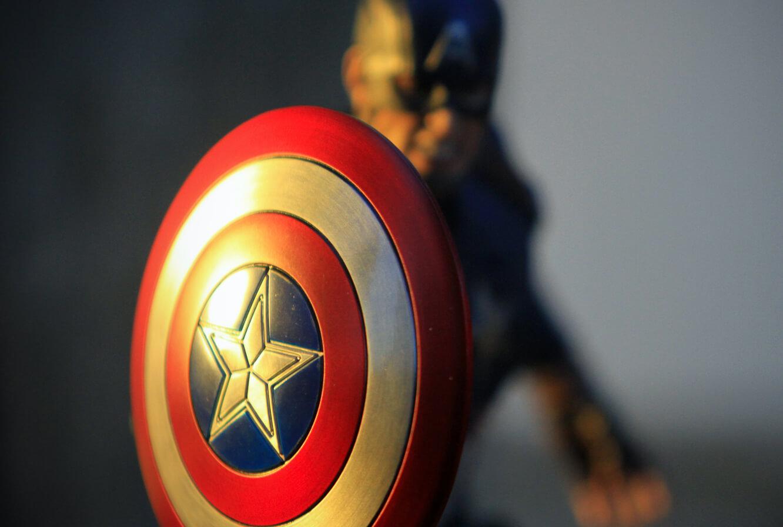 Captain Amercia Figure